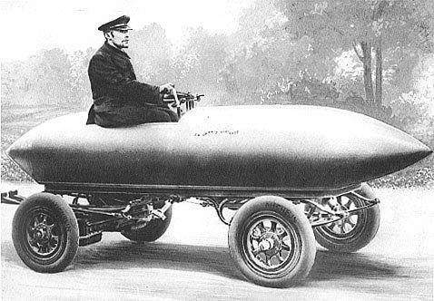 """Ilustrația """"La Jamais Contente"""", primul automobil care a ajuns la 100 km / h în 1899"""