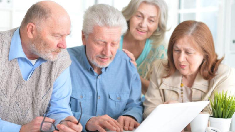 De ce femeile vor putea opta să muncească până la vârsta de 65 de ani